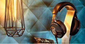 Focal-Headphones-Stand